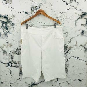 Denver Hayes White Capri Length Pants
